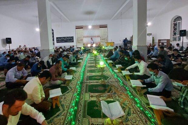 تجلیل از ۱۴ حافظ قرآنی در دبیران