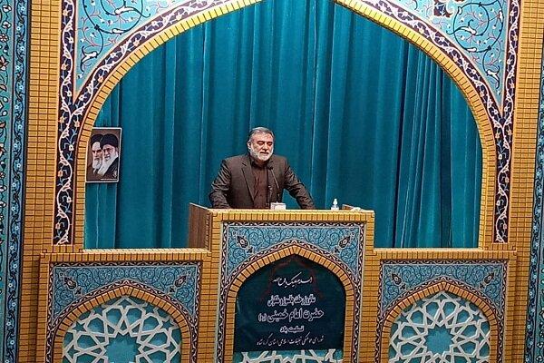 انتخاب امام خامنهای به رهبری سبب هدایت انقلاب اسلامی ایران شد