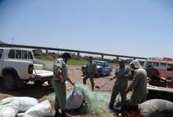 پاکسازی تورهای صیادی غیر مجاز در سد منجیل
