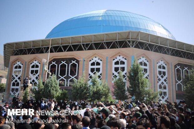 تشییع پیکر شهید مدافع حرم حسن عبداللهزاده