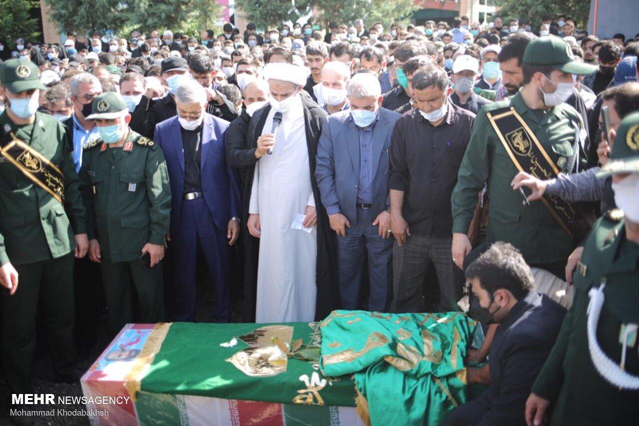 پیکر شهید عبداللهزاده تشییع شد