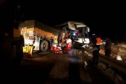 تصادف دو خودروی سنگین در جاده سرچم ۲ فوتی و ۲۹ مصدوم بر جا گذاشت