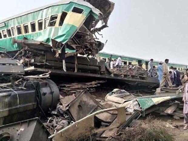 پاکستان میں دو ٹرینوں میں تصادم کے نتیجے میں 36 افراد جاں بحق