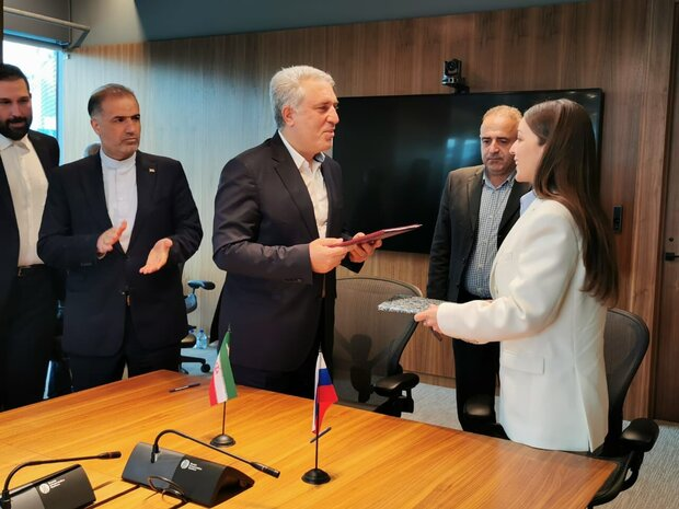 Tehran, Moscow sign visa waiver agreement for group tours