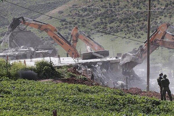 İsrail ordusu, Batı Şeria'da 25 Filistinlinin yaşadığı evleri yıktı
