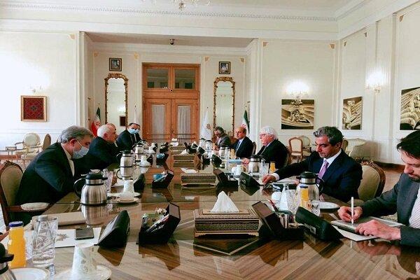 ظريف يبحث مع المندوب الأممي الخاص باليمن آخر المستجدات في صنعاء