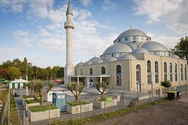 دولت فدرال، خطبههای نمازجمعه در آلمان را تجزیه و تحلیل میکند