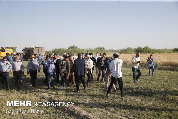 دیدار سعید جلیلی با جمعی از برگزیدگان روستایی در عشق آباد شهرری
