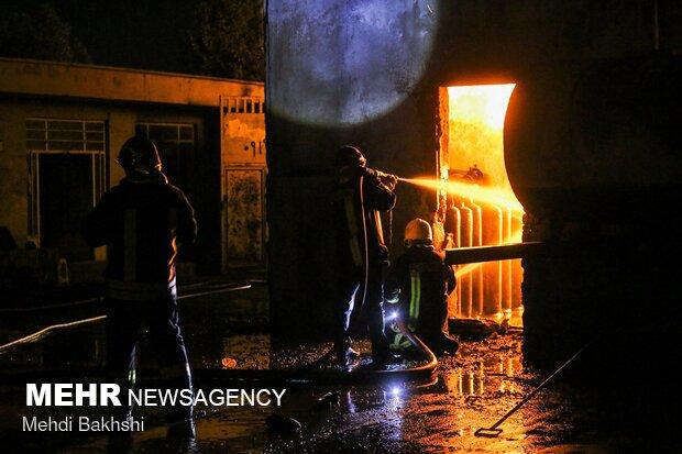 حریق گسترده در انبار سیلندر گاز مایع