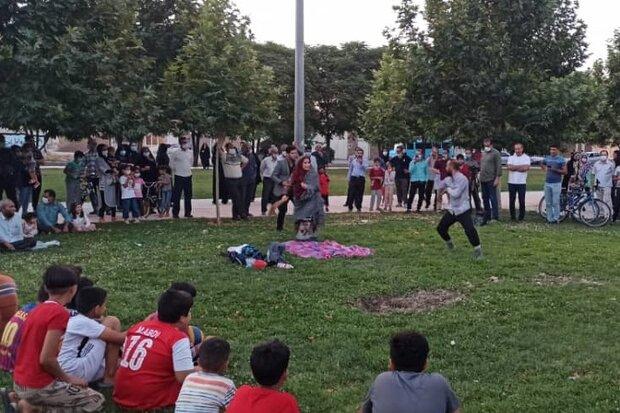نمایش «عقلها را باید شست، جور دیگر باید دید» در خرمآباد اجرا شد