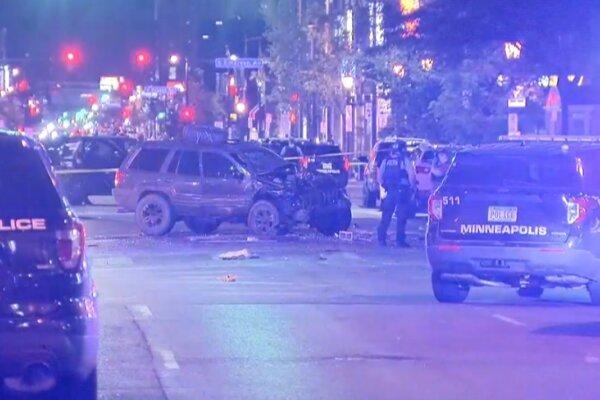 حمله خودرویی به اعتراضات ضدنژادپرستی در آمریکا/ یک زن کشته شد