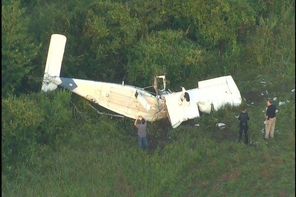 سقوط هواپیما در تگزاس آمریکا/ یک نفر کشته و ۵ تَن زخمی شدند