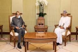 Iranian, Omani officials stress boosting friendly ties