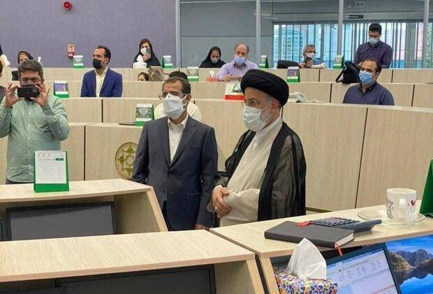 حضور سید ابراهیم رئیسی در تالار بورس تهران