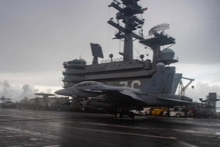 American navy aircraft carrier enters South China Sea