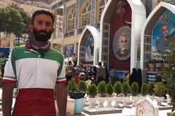 دعوت دوچرخه سوار شیرازی از مردم برای حضور در انتخابات