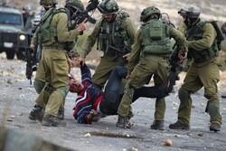 Zionist forces raid West Bank, arrest 11 Palestinians