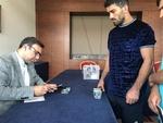 İstanbul'da bulunan İranlı milli güreşçiler oylarını kullandı