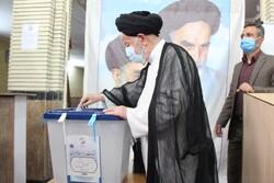 انتخابات تیر ناامیدی به قلب دشمن/مردم عاشقانه پای صندوق حاضر شوند