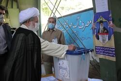 حضور در انتخابات دفاع از انقلاب و خون شهیدان است