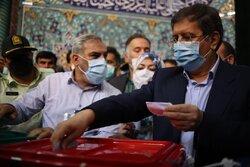 Presidential candidate 'Hemmati' casts ballot in Tehran
