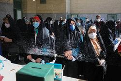 صفهای طولانی مردم اهواز برای شرکت در انتخابات