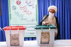 شرکت مراجع و علمای قم در انتخابات