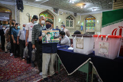 گم شدن تعرفههای انتخاباتی شایعه است / تاکنون ۵۰۰ هزار اصفهانی در انتخابات شرکت کردهاند