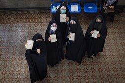 استمرار حضور مردم در پای صندوق های رای