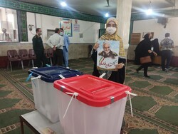 استقبال با شکوه مردم قزوین از انتخابات ریاست جمهوری