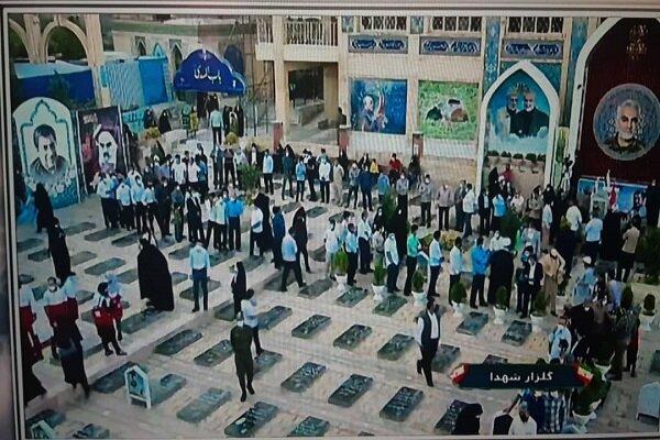 ادامه حضور حماسی مردم کرمان در گلزار شهدا