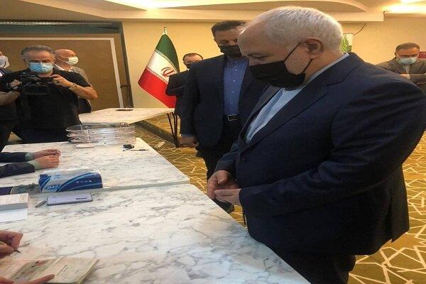 FM Zarif casts vote for Iran Presidential Election in Antalya