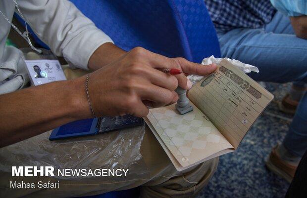صف طویل شهریاری ها برای شرکت در انتخابات