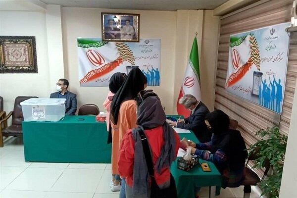Türkiye'deki İranlı vatandaşlar için 6 şehirde sandık kuruldu