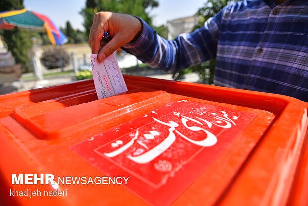 ۱۶ هزار تعرفه رای در شهرستان دره شهر مصرف شد