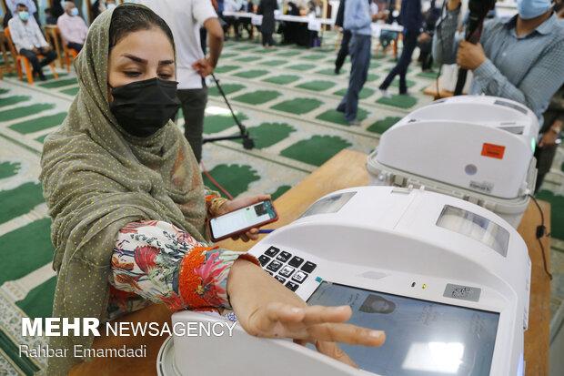 تاکنون ۲۵ درصد از مردم اصفهان در انتخابات ۱۴۰۰ مشارکت داشتهاند