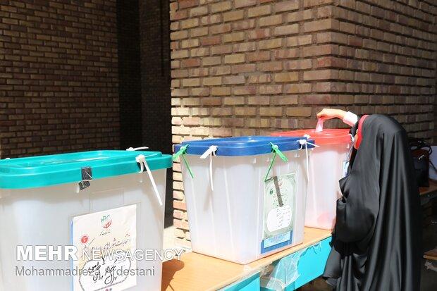 حماسه حضور مردم ورامین در انتخابات ۱۴۰۰