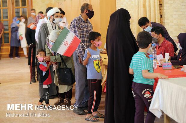 موج دوم حضور روستانشینان طالقان در پای صندوقهای رأی