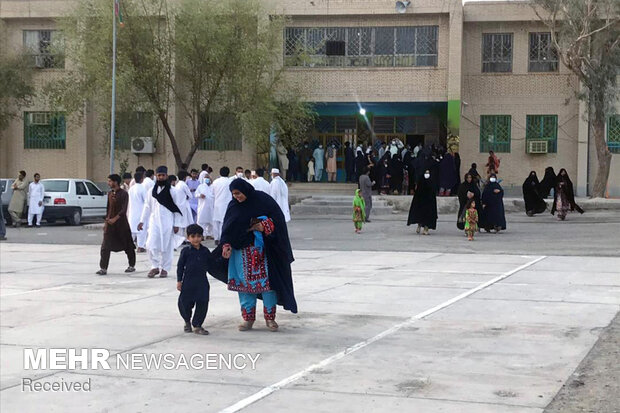 حضور مردم سیستان و بلوچستان در پای صندوقهای رای
