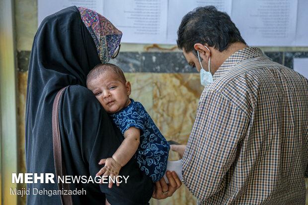 حال و هوای شعب اخذ رای در یزد