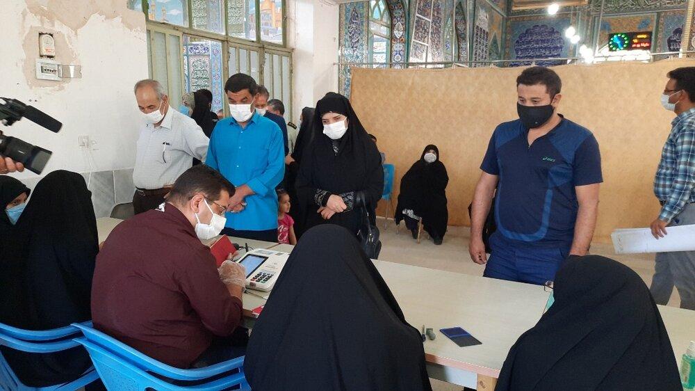 حضور پرشور و حماسی مردم شهرضا در انتخابات