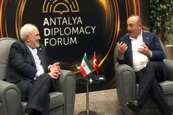 FM Zarif holds talks with his Turkish counterpart in Antalya