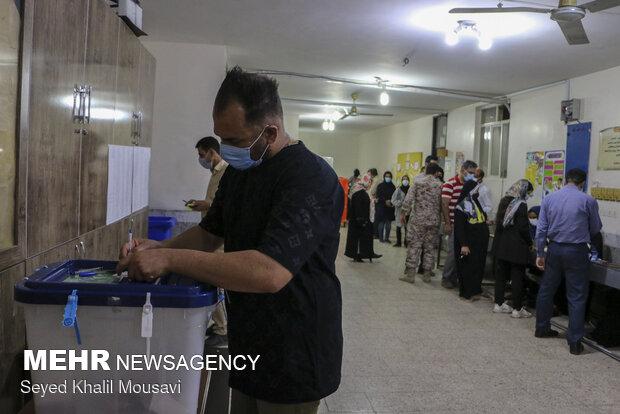 مشارکت ۱۰۰ درصدی مردم سربیشه و طبس در انتخابات