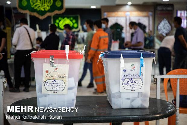 بالغ بر ۴۲۰ هزار نفر از مردم خراسان شمالی در انتخابات حضور یافتند