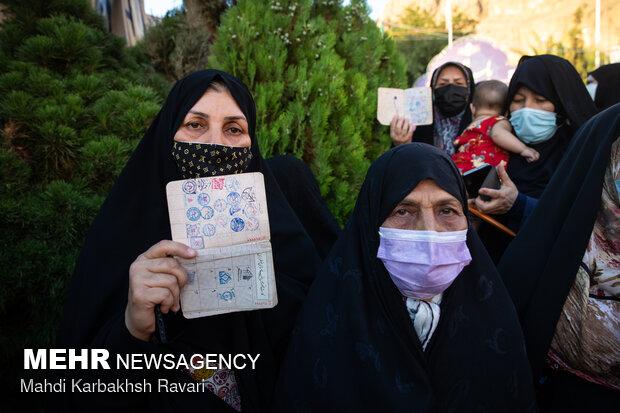 جشن انتخابات در جوار مرد میدان - کرمان
