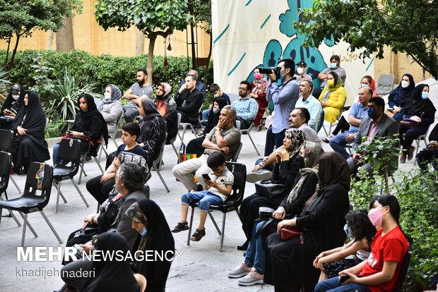 ضیافت جمعی ازهنرمندان به مناسبت دهه کرامت-اصفهان