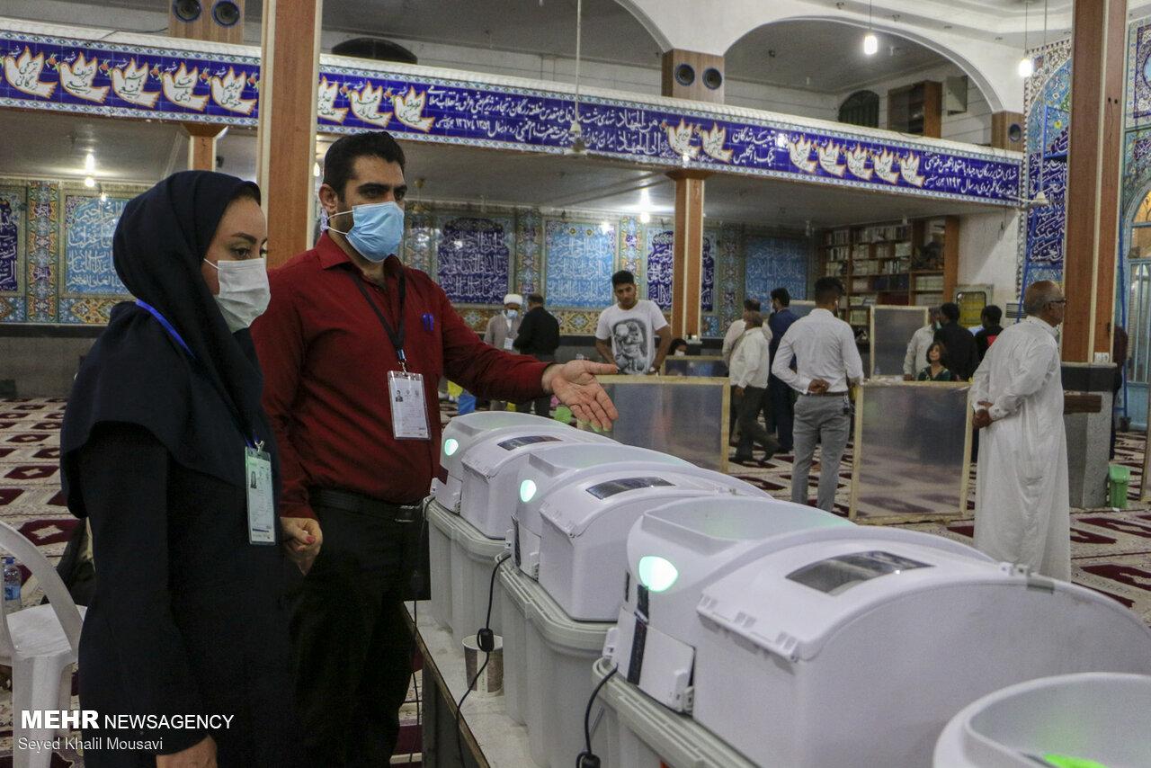 انتخابات در ۱۲۰ شعبه اهواز الکترونیکی بود/دستی ها تجمیع نشده