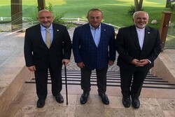 نشست سه جانبه ظریف و وزرای خارجه ترکیه و افغانستان آغاز شد