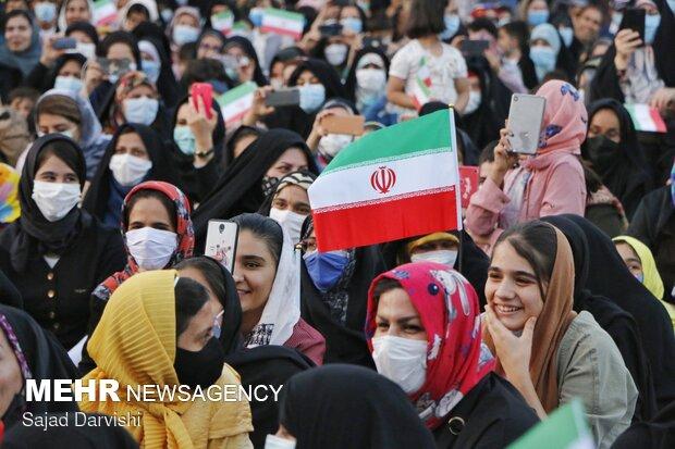 جشن پیروزی هواداران آیت الله سید ابراهیم رئیسی در خرم آباد
