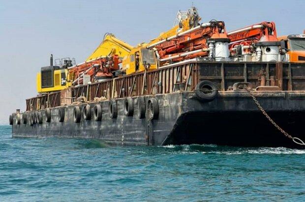 محموله بزرگ کالای قاچاق در آبهای کنگان کشف شد